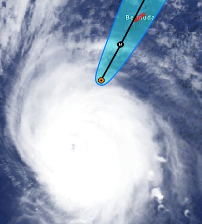 Hurricane Gonzalo satellite image and forecast track