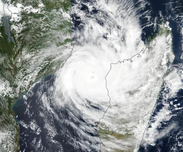 cyclone-idai-satellite