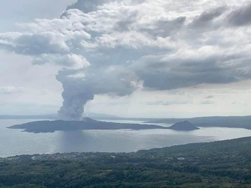 taal-volcano-eruption